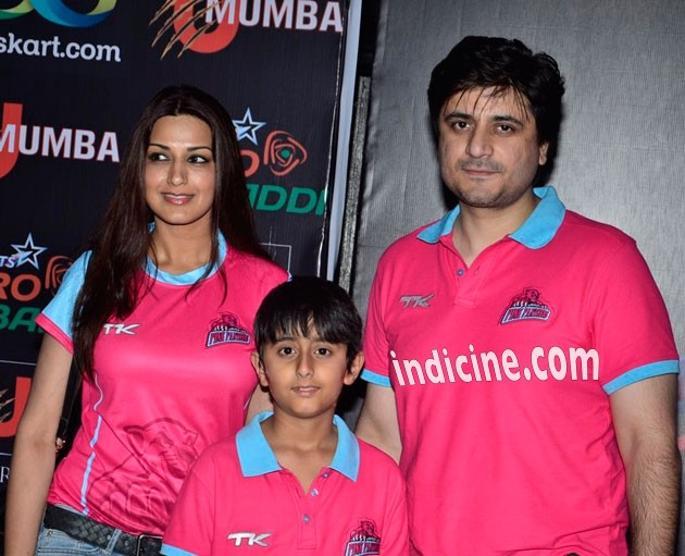 Sonali Bendre with husband Goldie Behl at Pro Kabbadi League