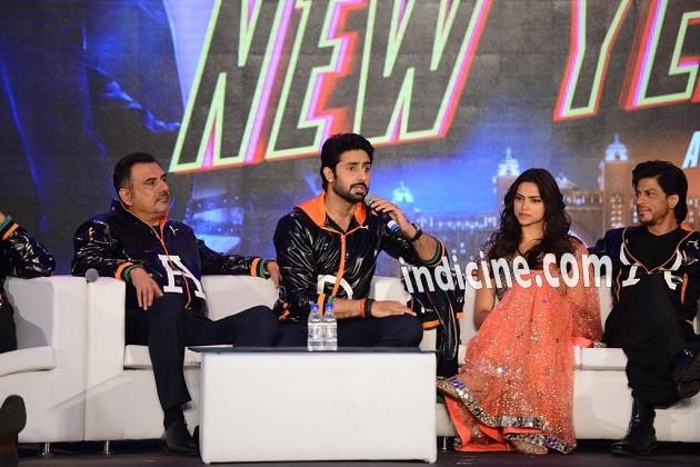 Boman Irani, Abhishek Bachchan, Deepika Padukone and SRK at HNY trailer launch