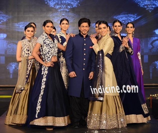 SRK walks for Manish Malhotra