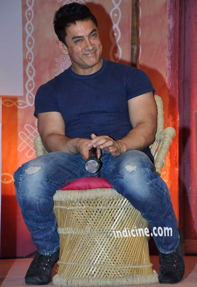 Aamir Khan addressing Talk Show Aaj Tak Panchayat