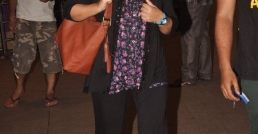 Farah Khan at the airport