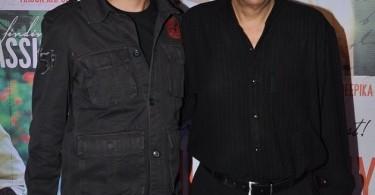 Vishesh Bhatt with father Mukesh Bhatt