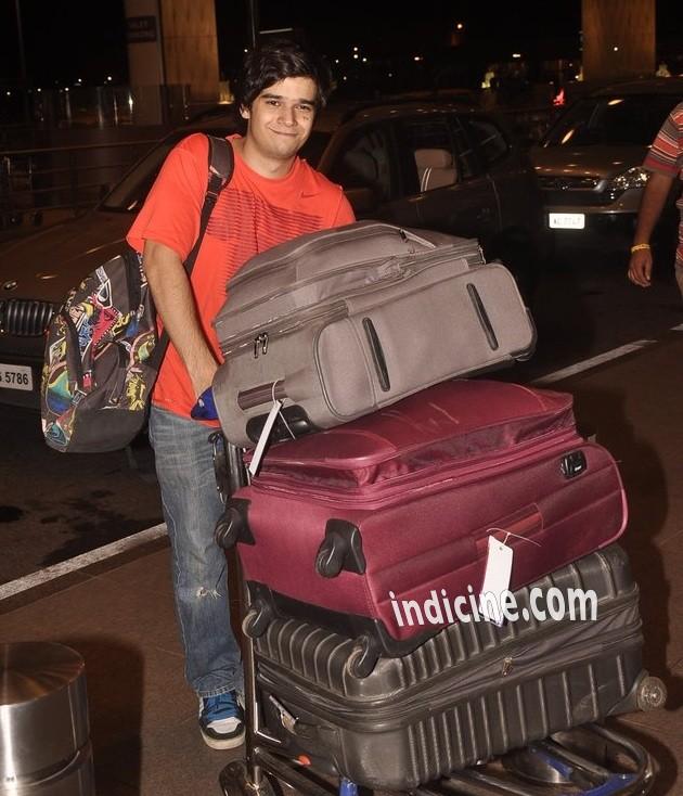 Vivaan Shah at the airport