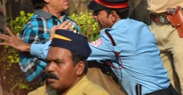 Shahrukh Khan barred from entering Mannat by security guard