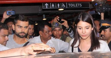 Anushka Sharma and Virat Kohli at Mumbai airport