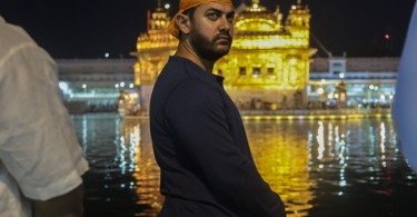 Aamir Khan visits the Golden Temple