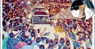 Hrithik Roshan gets mobbed in Madhya Pradesha