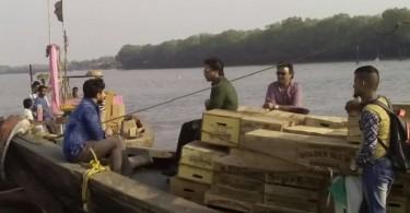Shahrukh Khan shoots for Raees at Uran Beach in Navi Mumbai