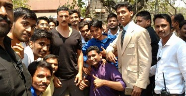 Akshay Kumar spotted with fans on sets of Rustom in Pune