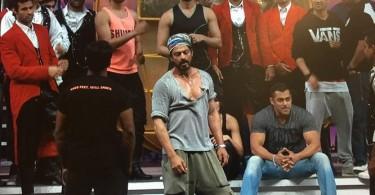 Shahrukh Khan and Salman Khan at TOIFA 2016 rehearsals