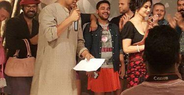 Akshay Kumar, Mouni Roy on the sets of Gold